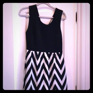 41 Hawthorn black and white dress